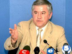 """Экс-секретарь СНБО Анатолий Кинах на прес-конференции в УНИАН заявляет, что кадровая политика в Украине опирается на принцип """" свой-чужой"""""""