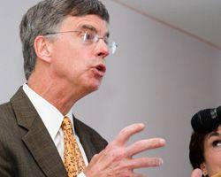Посол США в Украине Вильям Тейлор принимает участие в открытии лаборатории Паккарда в Севастополе. 20 июля