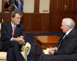 Виктор Ющенко и Николай Азаров, фото из архива УНИАН