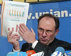 Анатолий Голубченко обосновывает новые столичные тарифы на ЖКУ на пресс-конференции в УНИАН. Киев, 24 января