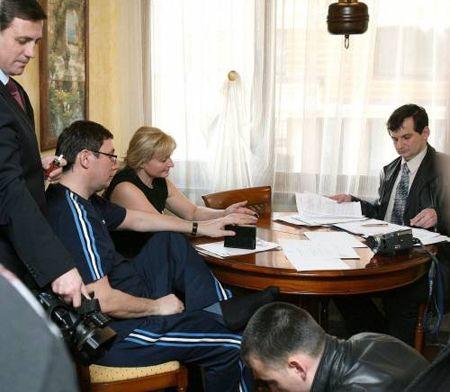 Луценко выразил удивление, что Генпрокуратуре понадобилась его медицинская карточка