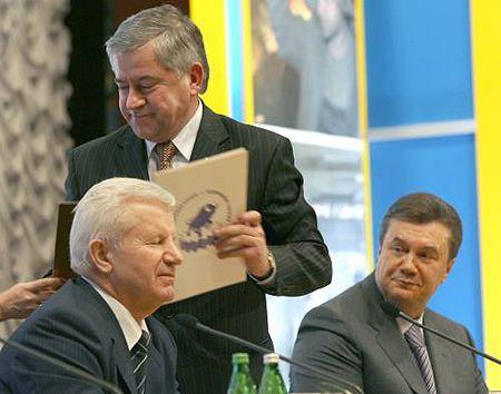 Я їм скажу, що Україна, на жаль, дуже багато часу витрачає на протистояння. А час - це ж гроші...