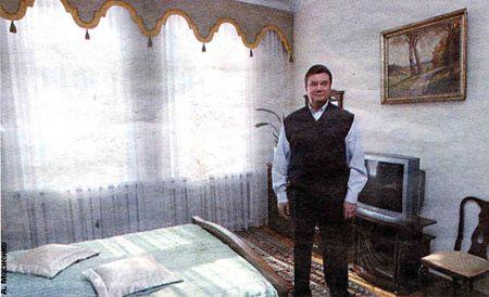 В этой комнате живет внук Виктор Федоровича. Правда, не постоянно. Редко когда приезжает. Не потому ли глава Кабмина сказал, что его заветная мечта - женить младшего сына