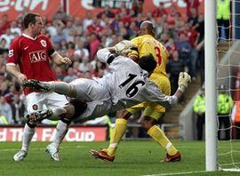 Манчестер юнайтед стал первым финалистом кубка англии