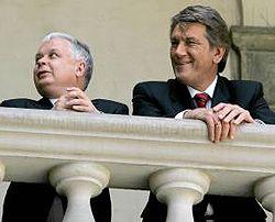 Віктор Ющенко та Лех Качинський перед початком Енергетичного саміту. Краків, 11 травня