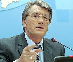 Віктор Ющенко відповідає на запитання журналістів на прес-конференції після  наради з керівниками силових відомств. Київ, 24 травня
