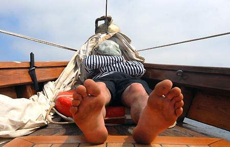 Найкращий спосіб пережити плавання козакові – впасти у глибокий, як морська хвиля, сон