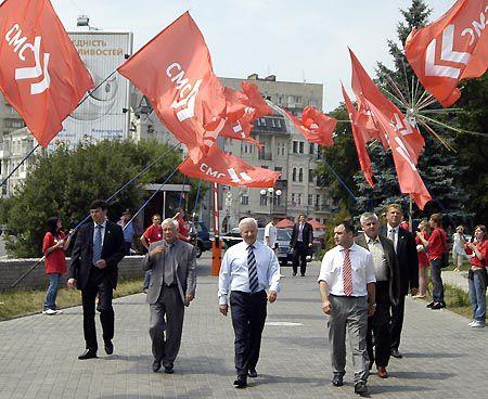 Твердим кроком – до соціалізму. І - до виборів