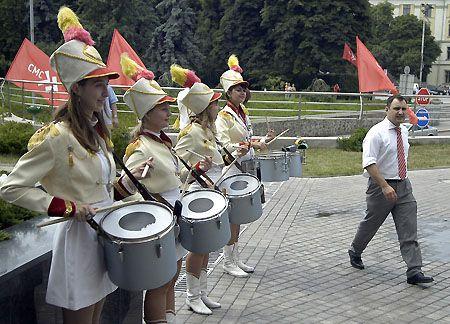 Лідеру СМС Денису Волошину теж довелося пройти через це... через барабанний дріб
