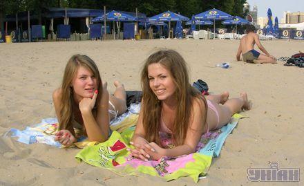 Лена и Даша только что стали студентками