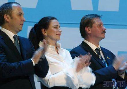 """Інна Богословська (№4) обіцяє, що тепер у Партії регіонів стане веселіше: """"Тепер це не лише похмурі чоловіки"""""""