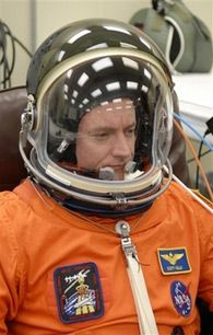 Командир шаттла Эндевор Скотт Келли (AP Photo/NASA)