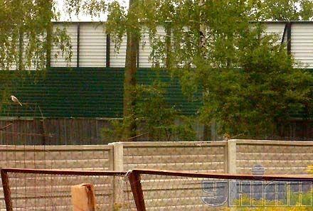 А за забором – забор. Территория резиденции отовсюду защищена от постороннего взгляда