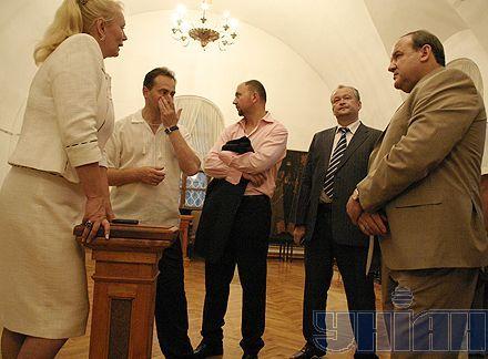 """VIP-персоны слушают директора """"Софии"""" Нелю Куковальску"""