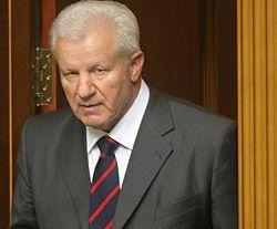 Александр Мороз заходит в сессионный зал перед открытием четвертой сессии украинского парламента. Киев, 4 сентября