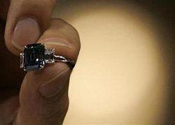 Редчайший голубой бриллиант продан порекордной цене