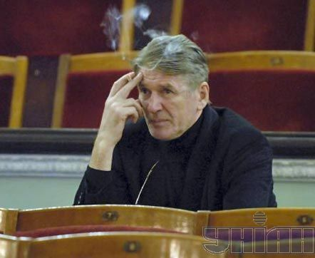 На репетиції вистави «Пролітаючи над гніздом зозулі» під час гастролей театру «Ленком» у Києві, 9 березня 2007 р.