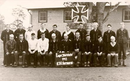 """Німецькі моряки з крейсера """"Корморан"""" у полоні, 1942 р."""