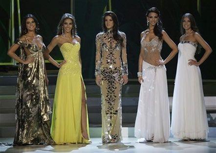 Tailana Vargas, Miss Colombia, Dayana Mendoza, Miss Venezuela, Marianne Cruz Gonzalez, Miss Dominican Republic, Elisa Najera, Miss Mexico, Vera Krasova, Miss Russia