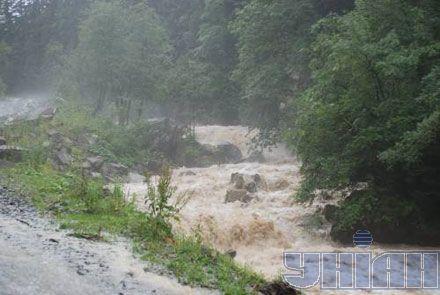 Селевый поток в одном из горных районов Львовской обл.