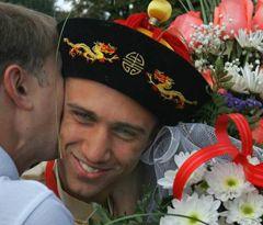Украинский боксер Василий Ломаченко во время официальной церемонии встречи в аэропорту Борисполь. 26 августа