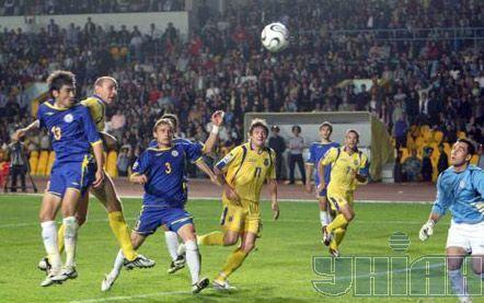 Первый гол забивает Андрей Назаренко