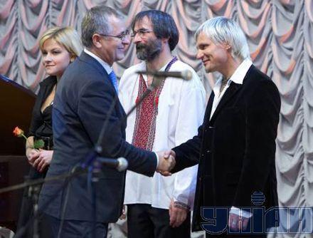 Марічка Бурмака, Василь Вовкун і Олег Скрипка