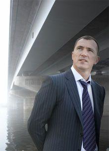 Интервью об испытаниях на прочность моста на входе в гавань В.Продивус, как и положено мостростроителю, давал под мостом