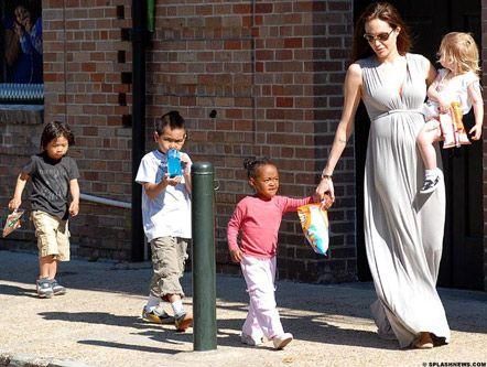Премия Хершолта станет второй наградой Джоли от киноакадемии