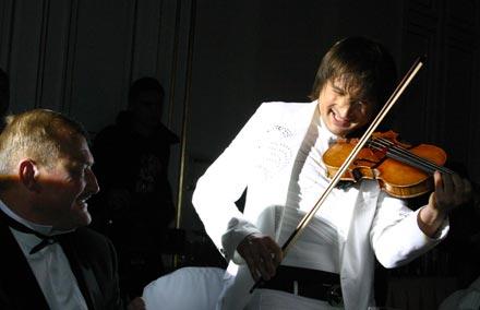 Эдвин Мартин играет для Олега Бугайова