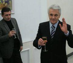 Владимир Литвин по окончании пресс-конференции, посвященной итогам работы парламента в 2008 г. Киев, 27 декабря