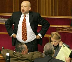 Олександр Турчинов і Юлія Тимошенко в залі засідань ВР. Київ, 13 січня