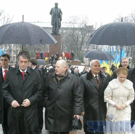 Президент України Віктор Ющенко, прем`єр-міністр Юлія Тимошенко