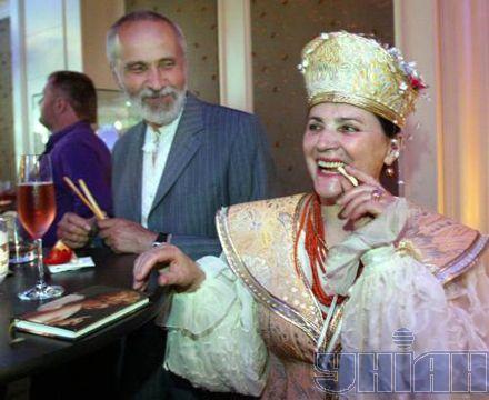 Нина Матвиенко со своим мужем директором музея Ивана Гончара Петром Гончаром