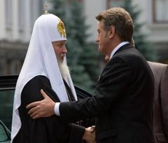 Victor Yushchenko meeting Patriarch Kirill, the head of the Russian Orthodox Church near the Secretariat of the President of Ukraine. Kyiv, July 27