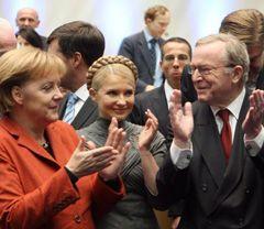 Ангела Меркель, Юлия Тимошенко и Вильфрид Мартенс во время Конгресса Европейской народной партии