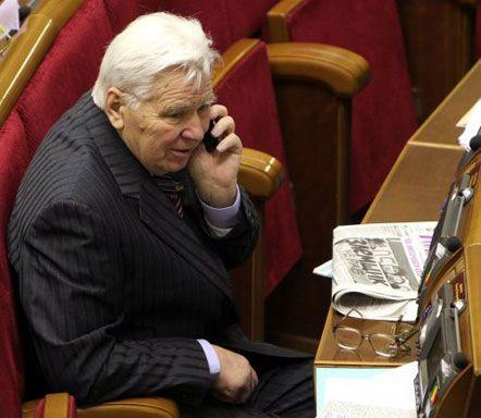 В зале парламента, март, 2009