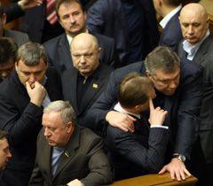 Депутати блокують трибуну та президію ВР. Київ, 3 лютого