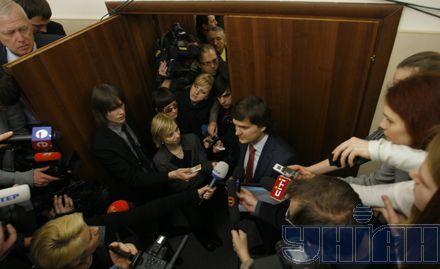 Разбираться с прессой оставили Писаренко