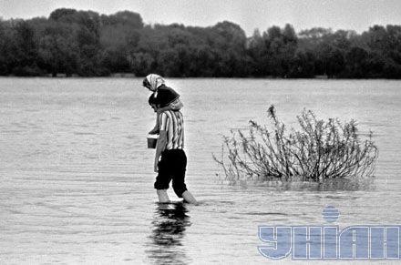 Берег Днепра. Наводнение в Киеве, 1970 год