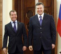 Дмитро Медведєв і Віктор Янукович під час зустрічі в Харкові. 21 квітня