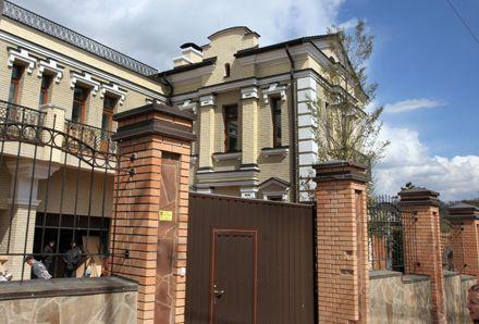 Вход с улицы Соловцова