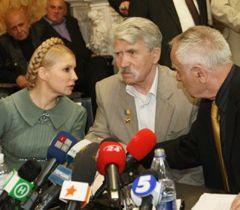 Тимошенко, Лукъяненко и Павлычко во время заседания Народного комитета национального спасения