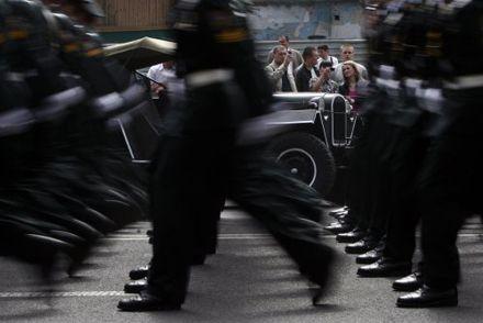 Парад військ на  Хрещатику з нагоди 65-ї річниці Перемоги у Великій Вітчизняній війні