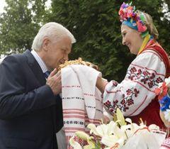 Володимир Литвин під час робочої поїздки, фото з архіву УНІАН