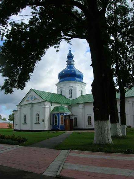 18. Успенська мурована трапезна церква Густинського монастиря