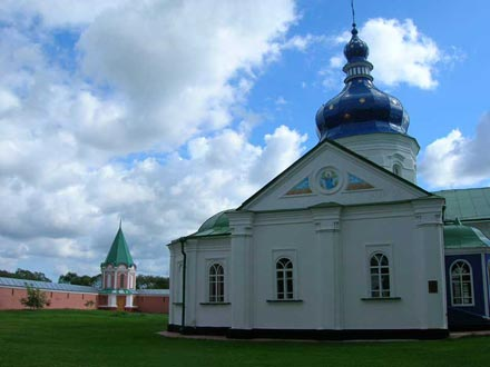 19. Мала трапезна церква Густинського монастиря