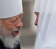 Предстоятель УПЦ МП Владимир и Патриарх Кирил перед началом молебную в Киево-Печерской лавре