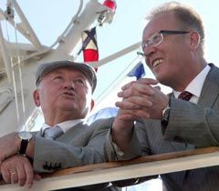 Юрий Лужков и  Валерий Саратов во время празднования Дня Военно-Морского флота России в Севастополе