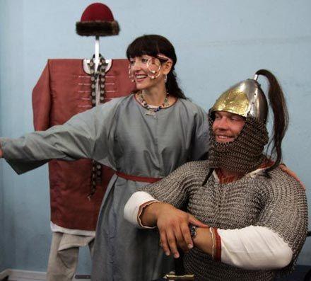 В Україні відтворили княжий костюм часів Київської Русі (фото)  2a0d1eecff284